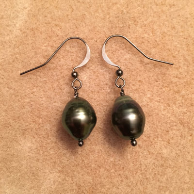 Tahitian Pearl earrings with gunmetal ear post