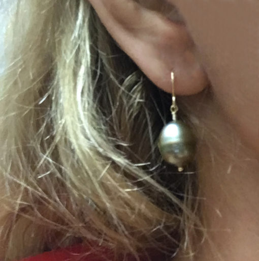 Tahitian Pearl earrings with gold plated post