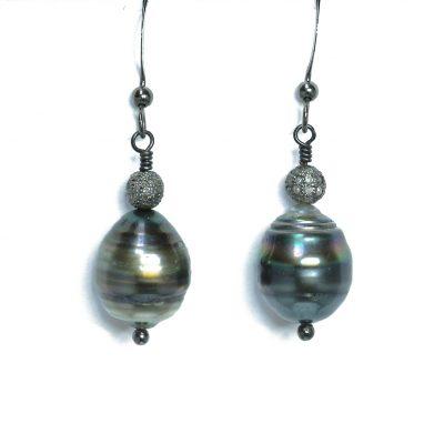 Tahitian black Pearl-diamond earrings