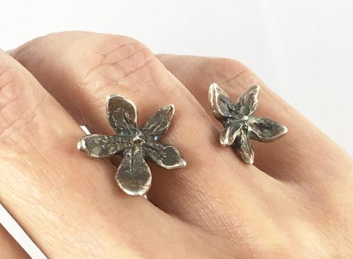 Oxidized flower power between the finger ring- Natalie Barat Design