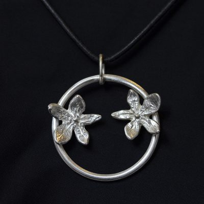 Double Flower Power necklace