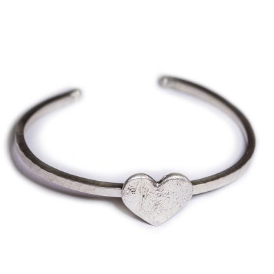 Heart silver textured bangle