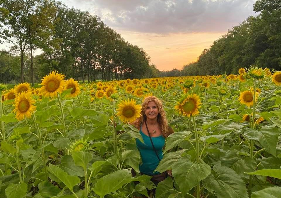 Natalie at the sunflower field