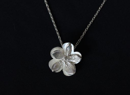 single flower power pendant