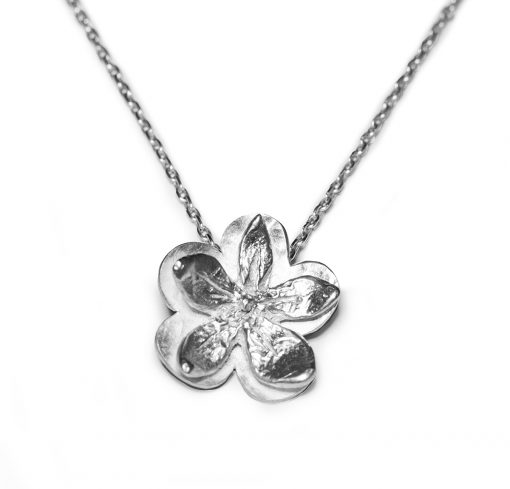 Single flower power pendant
