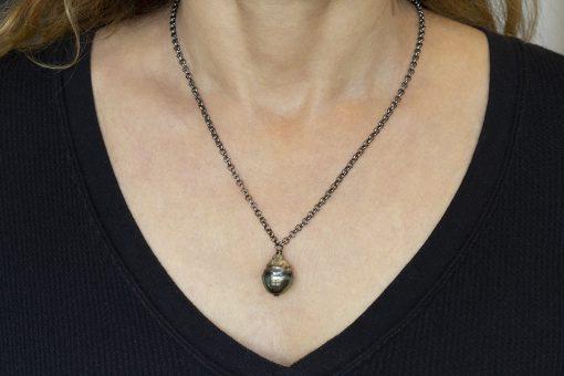 Tahitian pearl on chain
